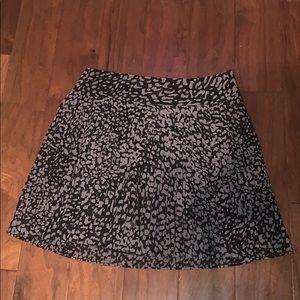 🦄 LOFT Ann Taylor Black & Gray Pleated Skirt 8